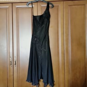 Cache One-shoulder silk embroidered dress